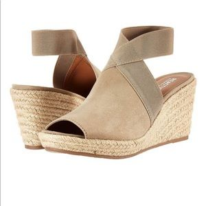 Kennith Cole reaction especially sandal wedges new